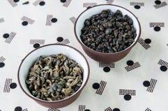 Mali puchary susi zielona herbata liście Fotografia Stock