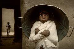 Mali, West-Afrika - Portret van Kind stock foto's