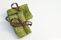 Mali zieleni prezentów pudełka Zdjęcia Stock