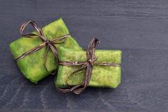 Mali zieleni prezentów pudełka Obraz Royalty Free