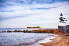 Malia en Crète, Grèce Chapelle et île d'Afentis Christos image libre de droits