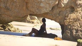 MALIBU, ESTADOS UNIDOS - 9 DE OCTUBRE DE 2014: EL hermoso y romántico Matador State Beach en California meridional imagen de archivo