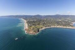 Malibu Kalifornien för punktDume delstatspark antenn arkivbilder