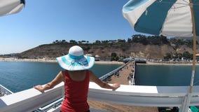 Malibu Pier Woman clips vidéos