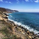 Malibuzonsondergang over de Vreedzame Oceaan Royalty-vrije Stock Afbeelding