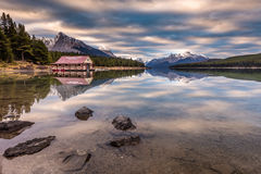 Maligne Lake Boat House sunrise Stock Photos
