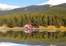 Malignemeer in Jaspis nationaal park Canada stock afbeeldingen