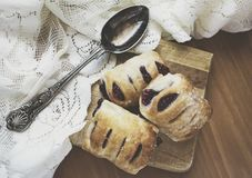Malinowy ptysiowych ciast matte spojrzenie Zdjęcie Royalty Free