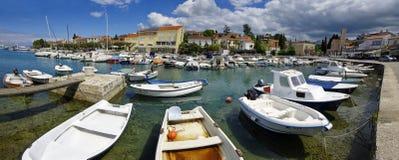 Malinska是解决在克罗地亚和重要t的海岛Krk的西北部分 图库摄影