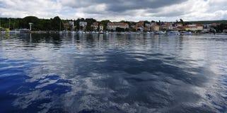 Malinska是解决在海岛Krk的西北部分在克罗地亚 库存图片