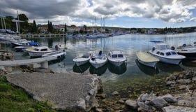 Malinska ist eine Regelung im nordwestlichen Teil der Insel Krk in Kroatien und in einem wichtigen t Stockfotos