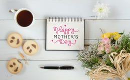 Mall för anmärkning för hälsning för dag för kvinna` s med bokstäver Arkivfoto
