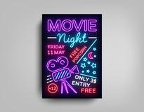 Mall för design för affisch för filmnatt i neonstil Neontecken, ljust baner, ljus reklamblad, designvykort som är befordrings- Royaltyfria Bilder
