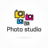 Mall för fotostudiologo, färgrik kameralägenhetsymbol Arkivbilder