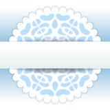 Mall för kort för hälsning för snöflinga för julpapercutdoily i blått och vit, vektor Royaltyfri Bild