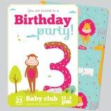 Mall för kort för inbjudan för födelsedagparti med gulligt Royaltyfri Foto