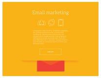 Mall för sida för landning för website för illustration för begrepp för Emailmarknadsföringsvektor Arkivbilder