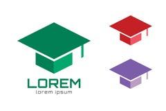 Mall för symbol för logo för avläggande av examenlockhatt högskola Royaltyfri Bild