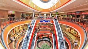 Mall-Fußgängerverkehr stock video footage