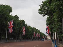Mall in London. LONDON, UK - CIRCA JUNE 2017: The Mall links Trafalgar Square to Buckingham Palace Stock Photos