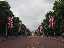 Mall in London. LONDON, UK - CIRCA JUNE 2017: The Mall links Trafalgar Square to Buckingham Palace Royalty Free Stock Image