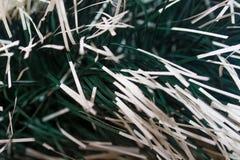 Malla verde oscuro y blanca de los Años Nuevos La Navidad del fondo ellos Foto de archivo libre de regalías