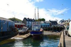 Fischerboot an Mallaig Hafen, Schottland Stockbild