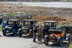 MALLAIG, LOCABER/SCOTLAND - 19 DE MAYO: Dueños de Ford T del vintage que son Imagen de archivo