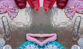 Mallfoto - frisyrer för behandla som ett barn - med stället för din text arkivfoton