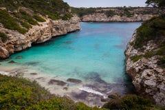 Mallorca, Hiszpania; Marzec 17, 2018: Widoki zatoczka cumujący o fotografia royalty free