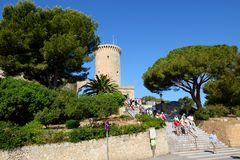 The senior tourists enjoiying their vacation on the Castell de Bellver Royalty Free Stock Photography