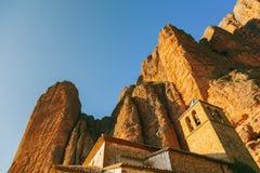 Mallos de Riglos Kyrktaga i Huesca, Aragon Arkivfoton