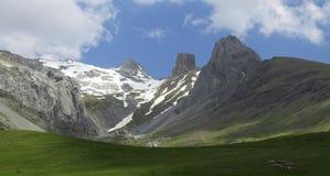 Mallos Lecherin en vallée d'Aisa, Pyrénées, Huesca Photo stock
