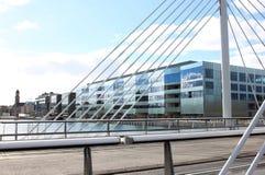 Malmö universitet och universitetbro, Sverige Royaltyfri Fotografi