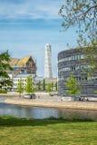 Malmo stadsdomstolsbyggnad och roterande torso Royaltyfri Bild