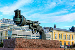MALMO, SWEDEN - NOVEMBER 05, 2016: Twisted Gun, Non-Violence, br. Onze sculpture of oversized revolver with a knotted barrel and the muzzle pointing upwards. Was Royalty Free Stock Photography