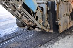 Malning av asfalt Royaltyfri Foto