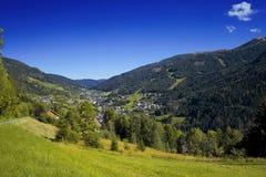 Malo austríaco Kleinkirchheim del valle de la montan@a Fotografía de archivo libre de regalías