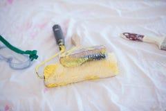 Malować narzędzia na podłoga Zdjęcie Royalty Free