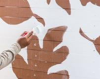 Malować na drewnianym ogrodzeniu Fotografia Stock