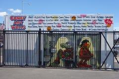 Malowidło ścienne sztuka przy nowymi ulicznymi sztuki przyciągania Coney sztuki ścianami przy Coney Island sekcją w Brooklyn Obraz Royalty Free