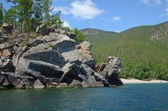 Malownicza skalista linia brzegowa zachodni wybrzeże Jeziorny Baikal Obraz Royalty Free