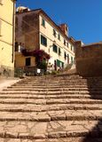 Malownicza ulica w Portoferraio, Włochy fotografia royalty free