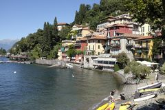 Malownicza wioska Varenna na Jeziornym Como Zdjęcia Stock