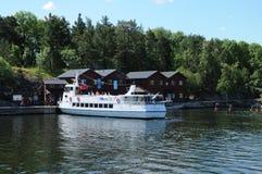 malowniczy dom na wyspie blisko Sztokholm troszkę Obraz Royalty Free