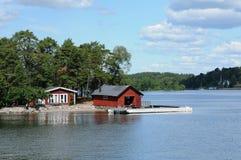 malowniczy dom na wyspie blisko Sztokholm troszkę Obrazy Royalty Free