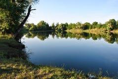 Malowniczy jezioro w wsi Obrazy Stock