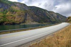 Malowniczy krajobraz i norweg droga obraz royalty free