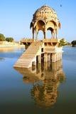 Malowniczy krajobraz z cenotaph Jaisalmer Fotografia Royalty Free