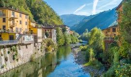 Malowniczy miasteczko Bagni di Lucca na słonecznym dniu Blisko Lucca, w Tuscany, Włochy obraz royalty free
